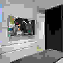 Modern style bedroom by Designer de Interiores e Paisagista Iara Kílaris Modern MDF