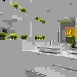 Casa Orquídea Banheiros modernos por Arquiteto Aquiles Nícolas Kílaris Moderno Mármore