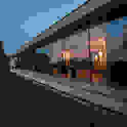 Casas de estilo moderno de Engelman Architecten BV Moderno