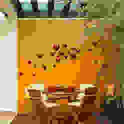deck Balcones y terrazas de estilo moderno de arketipo-taller de arquitectura Moderno