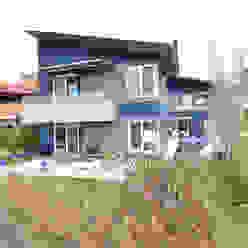 A CASA AZUL: Casas  por HECHER YLLANA ARQUITETOS,Moderno