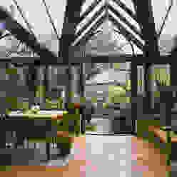 Wooden Conservatory Westbury Garden Rooms Jardines de invierno clásicos Madera Verde