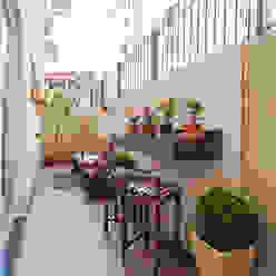 Apartamento 13 Patrícia Azoni Arquitetura + Arte & Design Varandas, alpendres e terraços tropicais