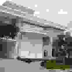 Residência alto padrão de dois pavimentos: Casas  por Penha Alba Arquitetura e Interiores,Clássico