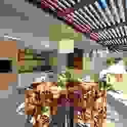 Stefani Arquitetura Balcones y terrazas rústicos