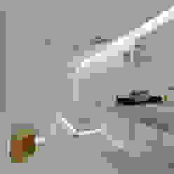 guedes cruz arquitectos Phòng tắm phong cách tối giản