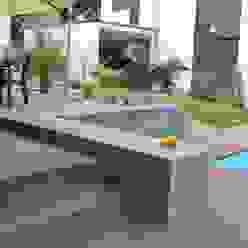 Jardines modernos de Lemoni GartenDesign Moderno