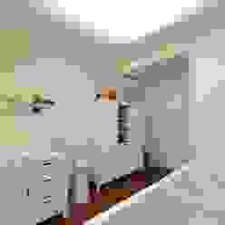 JS Villa's interiors. Berlin, Germany. Minimalistische Kinderzimmer von nadine buslaeva interior design Minimalistisch