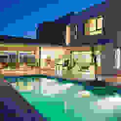 Vista desde Patio 03 Poggi Schmit Arquitectura Casas modernas: Ideas, imágenes y decoración