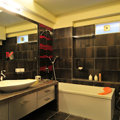 Industrial style bathroom by homify Industrial Tiles