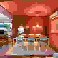 Apartamento Vermelho Johnny Thomsen Arquitetura e Design Salas de jantar modernas