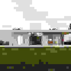 """Diseño y construcción de Casa Blanca en """"La Hornilla"""" por 1.61 Arquitectos 1.61arquitectos Casas unifamiliares Blanco"""