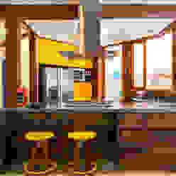 Casa Caiçara RAC ARQUITETURA Cozinhas coloniais