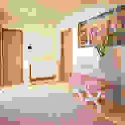 PASSAGEWAY Corredores, halls e escadas modernos por GRAÇA Decoração de Interiores Moderno