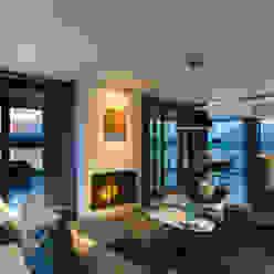 WATERVILLA RIJPWETERING Moderne woonkamers van DENOLDERVLEUGELS Architects & Associates Modern