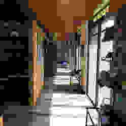 Corridor & hallway by YUSO,
