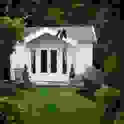 Log Cabin Kolonialer Garten von Garden Affairs Ltd Kolonial Holz Holznachbildung