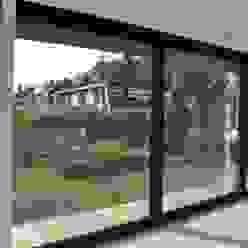 Puertas y ventanas de estilo moderno de AV Architectuur Moderno