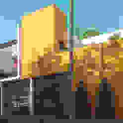Casa Centenario Laboratorio Mexicano de Arquitectura Casas minimalistas Concreto Amarillo