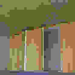Revestimento em Réguas de Bambu Garagens e edículas modernas por BAMBU CARBONO ZERO Moderno Bambu Verde
