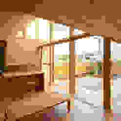 岩曽町・北庭の家: 中山大輔建築設計事務所/Nakayama Architectsが手掛けたリビングです。,オリジナル