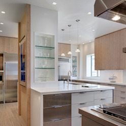 Central Park South Kitchen, New York Modern Kitchen by Lilian H. Weinreich Architects Modern Bamboo Green