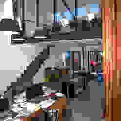 Loft in fabriekspand Industriële woonkamers van Tijmen Bos Architecten Industrieel IJzer / Staal