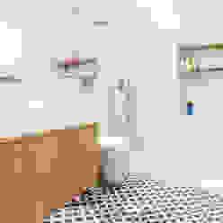 homify Casas de banho escandinavas