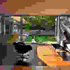 Casa Abierta Modern Living Room by KUBE architecture Modern