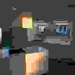 cucina bianco lucido su misura Frigerio Paolo & C. CucinaContenitori & Dispense Bianco