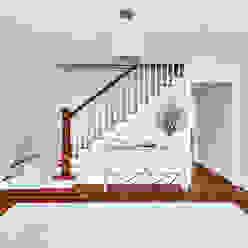 Foyer Modern Corridor, Hallway and Staircase by Clean Design Modern