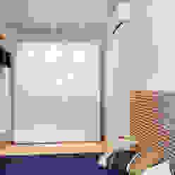 ArchEnjoy Studio Habitaciones modernas Madera Blanco