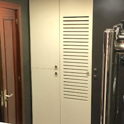 Bathrobe Cabinet Classic style bathroom by XTid Associates Classic