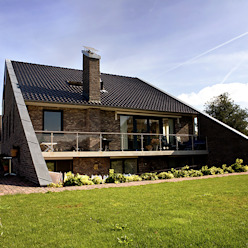 Country style houses by Sipma Architecten Country