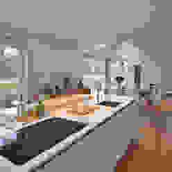 Cocinas de estilo moderno de Bongers Architecten Moderno