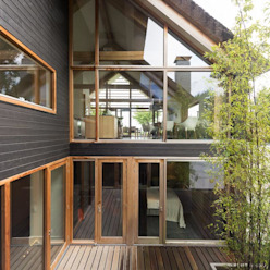 Casas de estilo moderno de Kwint architecten Moderno
