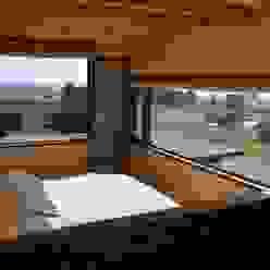 CASA AF BLAC arquitectos Dormitorios de estilo rústico Madera Acabado en madera