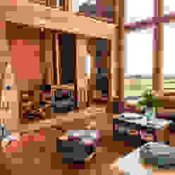 Revestimientos interiores en madera: Paredes y pisos de estilo  por Almazan Arquitectura y Construcción