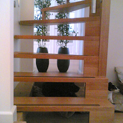 Corredores, halls e escadas modernos por Studio Kuin BNI Moderno Madeira Efeito de madeira