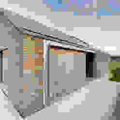 Casas de estilo moderno de das - design en architectuur studio bvba Moderno Madera Acabado en madera