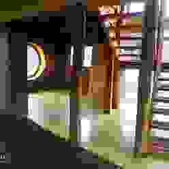 Estudio Terra Arquitectura & Patrimonio Modern corridor, hallway & stairs