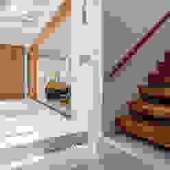 自然。隱逸 - 北歐風格 有容藝室內裝修設計有限公司 Scandinavian style corridor, hallway& stairs