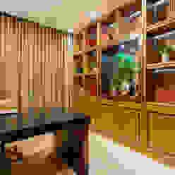 by Designer de Interiores e Paisagista Iara Kílaris Modern Wood Wood effect