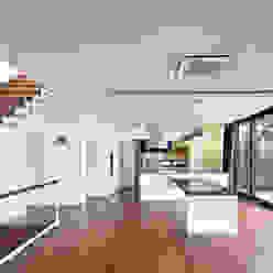 Modern Dining Room by (주)건축사사무소 모도건축 Modern Wood Wood effect