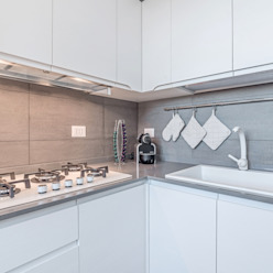 Ristrutturazione appartamento di 82 mq a Milano, San Siro Facile Ristrutturare Cucina moderna