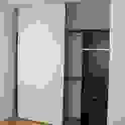 Mobiliario de dormitorio. Placares. NG Estudio Dormitorios minimalistas Madera Blanco