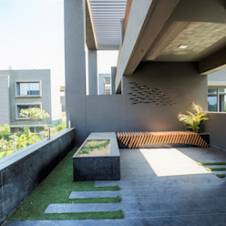 TERRACE VIEW DESIGNER'S CIRCLE Modern balcony, veranda & terrace