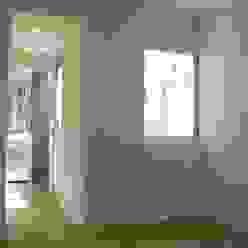 Casa Chenaut - Dormitorio en suite NG Estudio Dormitorios modernos: Ideas, imágenes y decoración Cerámico Blanco
