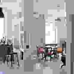 TRIESTE HOUSE ULA architects Sala da pranzo eclettica Legno Beige