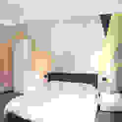 Una palette colore tenue ma dal carattere deciso Rifò Camera da letto moderna